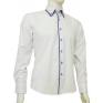 Modna koszula męska SLIM biała z niebieskimi łatami i wykończeniami.