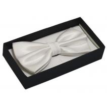 Biała mucha do koszuli męskiej bardzo elegancka